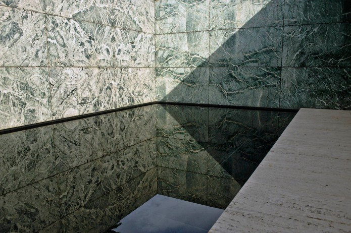 architecture exterior interior of the Barcelona Pavilion by Mies van der Rohe