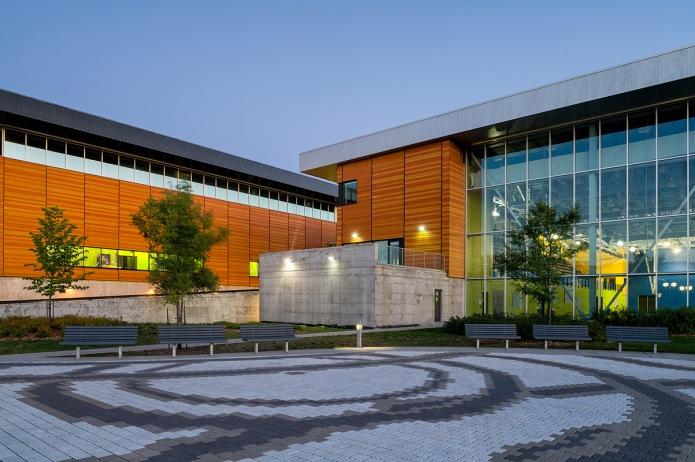 complexe sportif gatineau magne architectes front facade