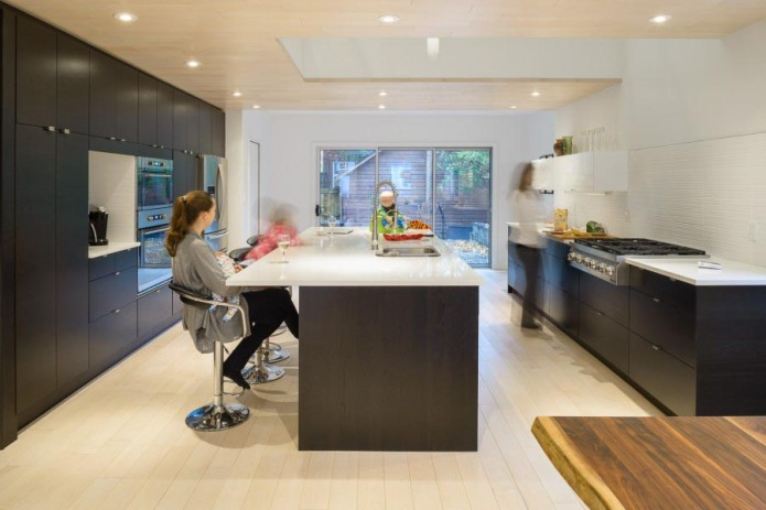 228-Batay-Csorba-Glebe-Residence-Ottawa-Architectural-Photography-doublespace-residential1-900x600