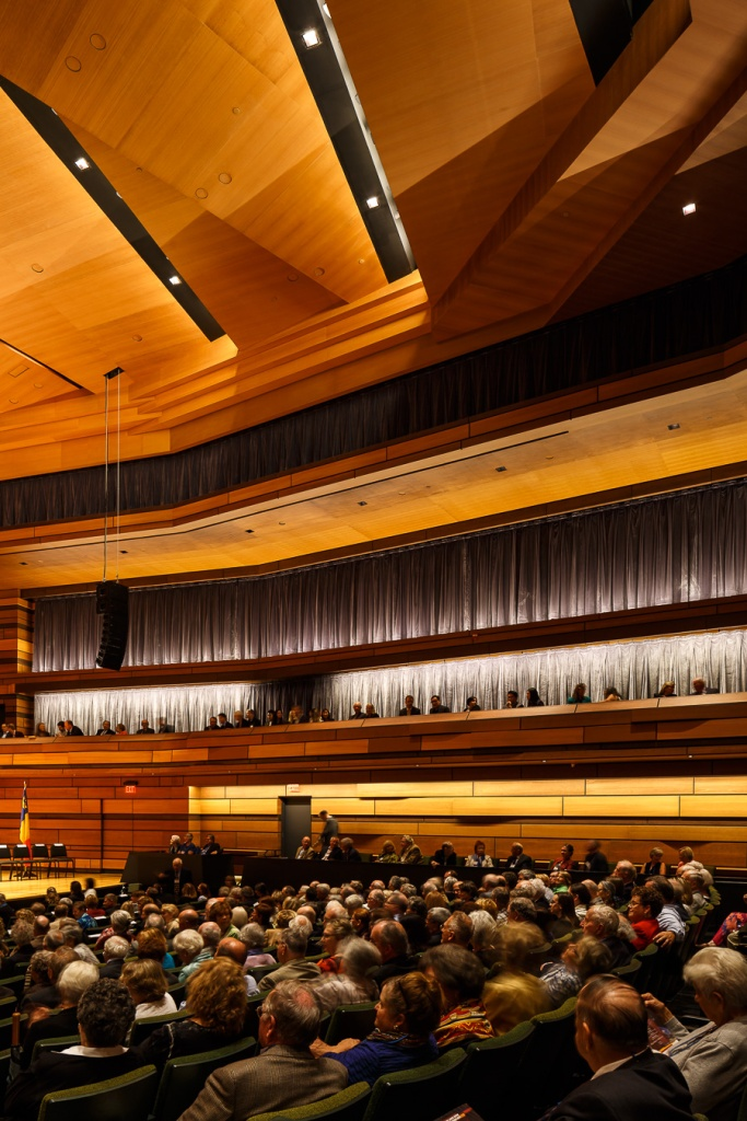 A full house in the Concert Hall. Isabel Centre for the Performing Arts, Kingston, Canada.  Snohetta